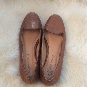 Julianne Hough for SOLE SOCIETY Metallic Flats 5B!